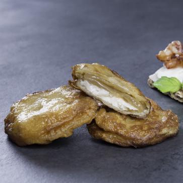 Patata de Olot rellena de queso de cabra y cebolla